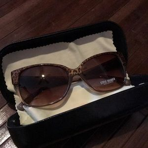NWOT Cheetah Print Steve Madden Tinted Sunglasses